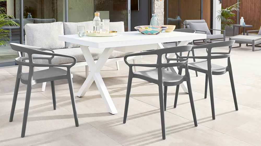 Stacking dining garden chair set