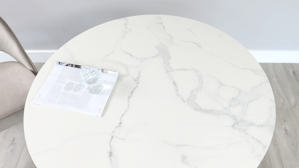 Romeo marble and brass table