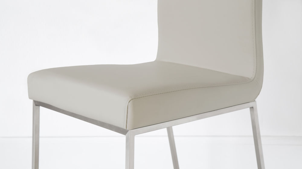 Modern and Contemporary Dining Chairs