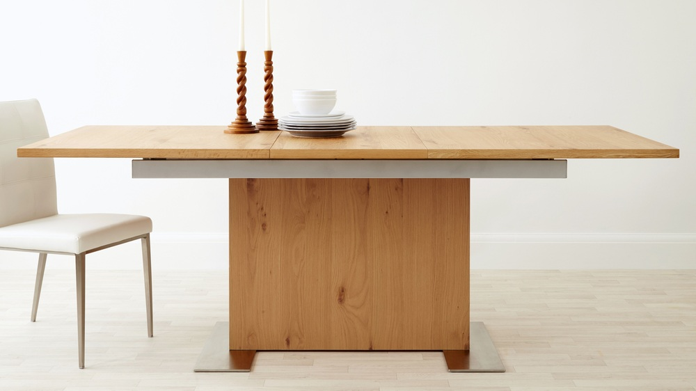 Modern Oak Extending Dining Table 8 Seater