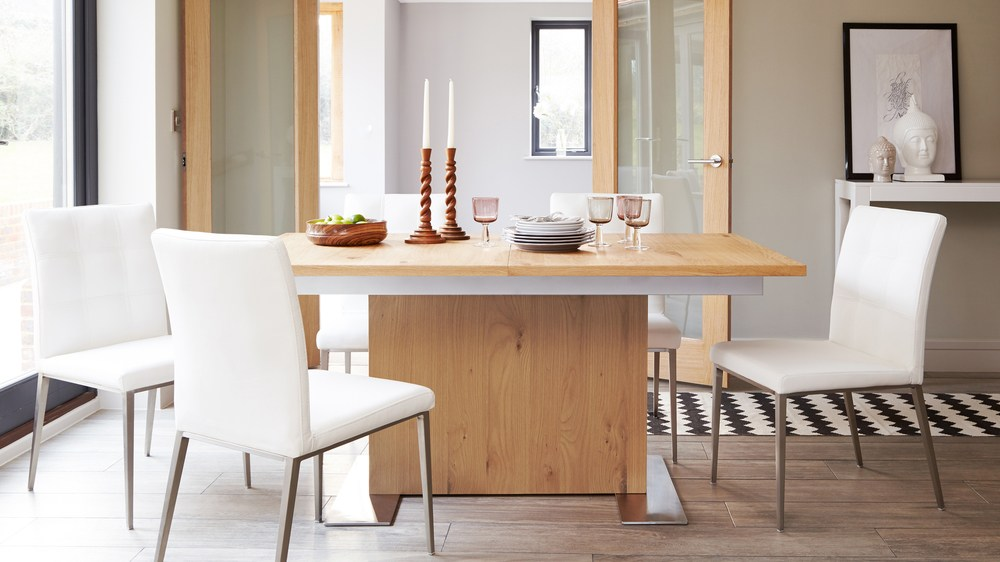 Contemporary Oak Extending Dining Table