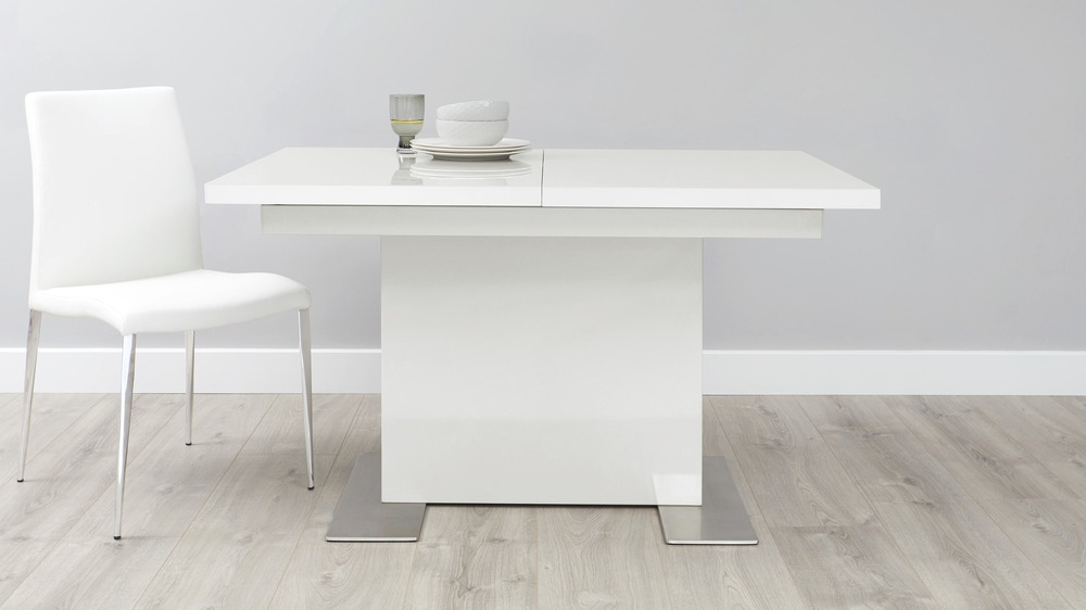 Small white gloss extending dining table danetti