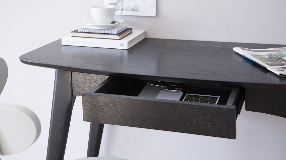 Stylish Desk with Drawer Storage