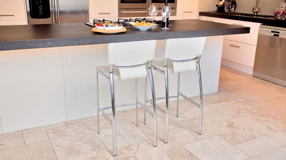 Serroni Trendy Bar Stool Modern White Faux Leather