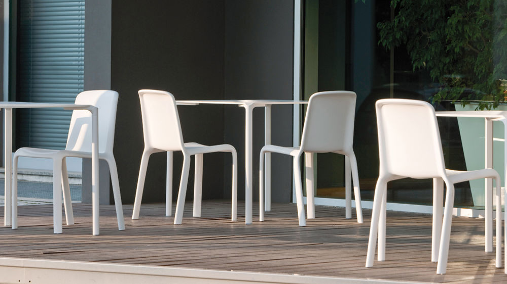 Comfortable Plastic Dining Chairs
