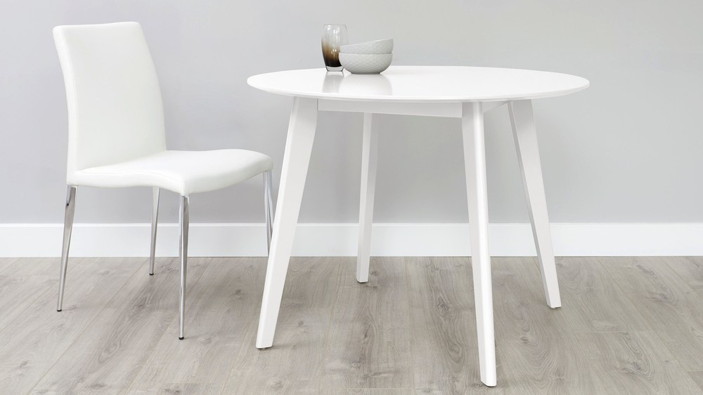 4 seater round white table
