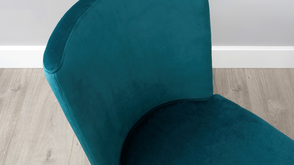 Easy clean velvet dining chair