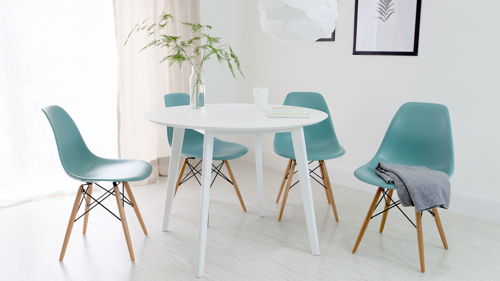 Exceptionnel White And Aqua Eames 4 Seater Dining Set