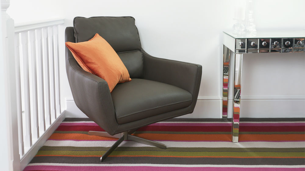 Brown Arm Chair that can Spin