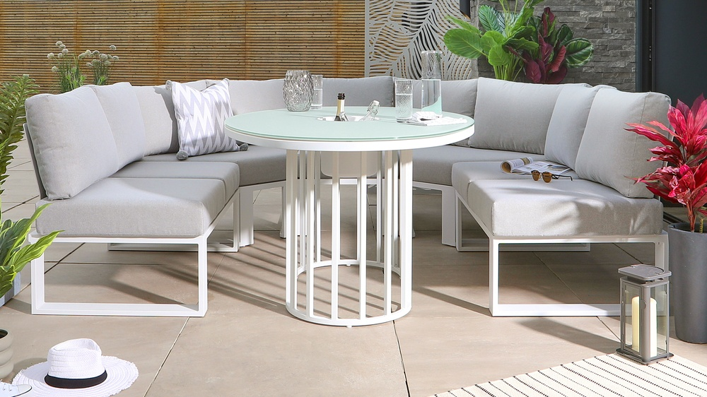 Totem White Table with Savannah Garden Dining Bench