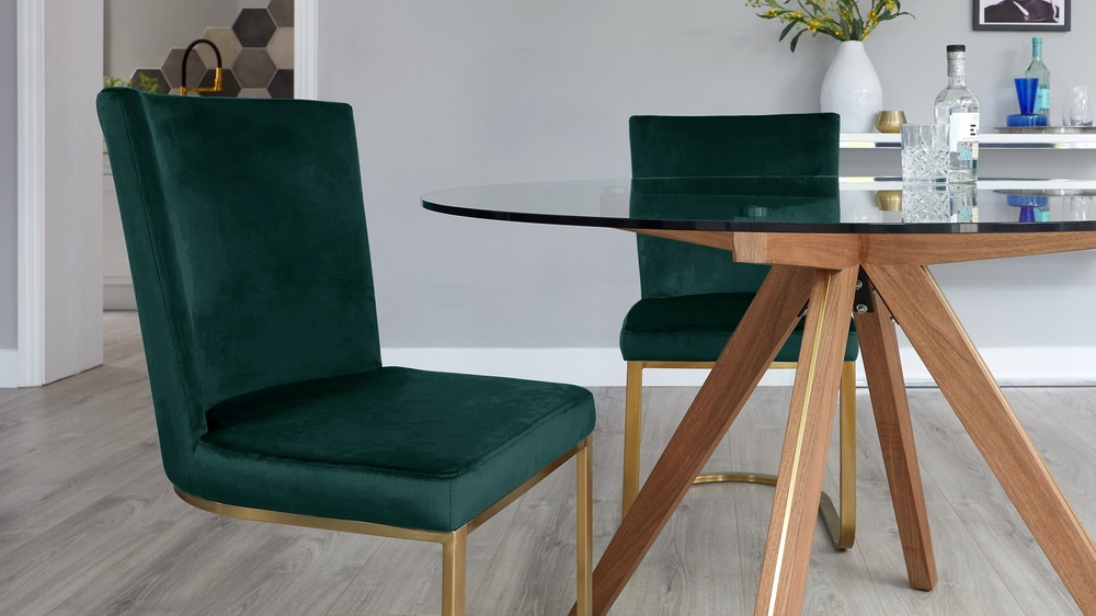 Valencia Glass Table with Form Green Velvet Chairs