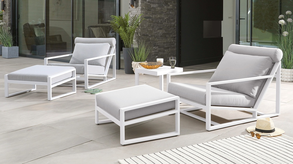 Verano White Lounger Twin Set with Lago Side Table