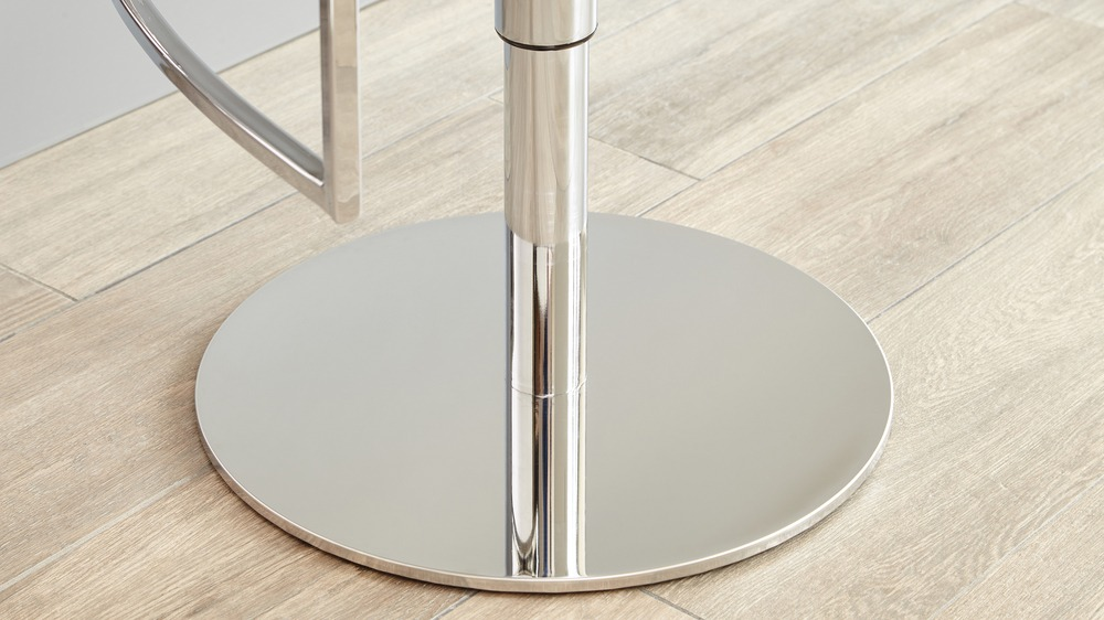 Round Chrome Gas Lift Bar Stool