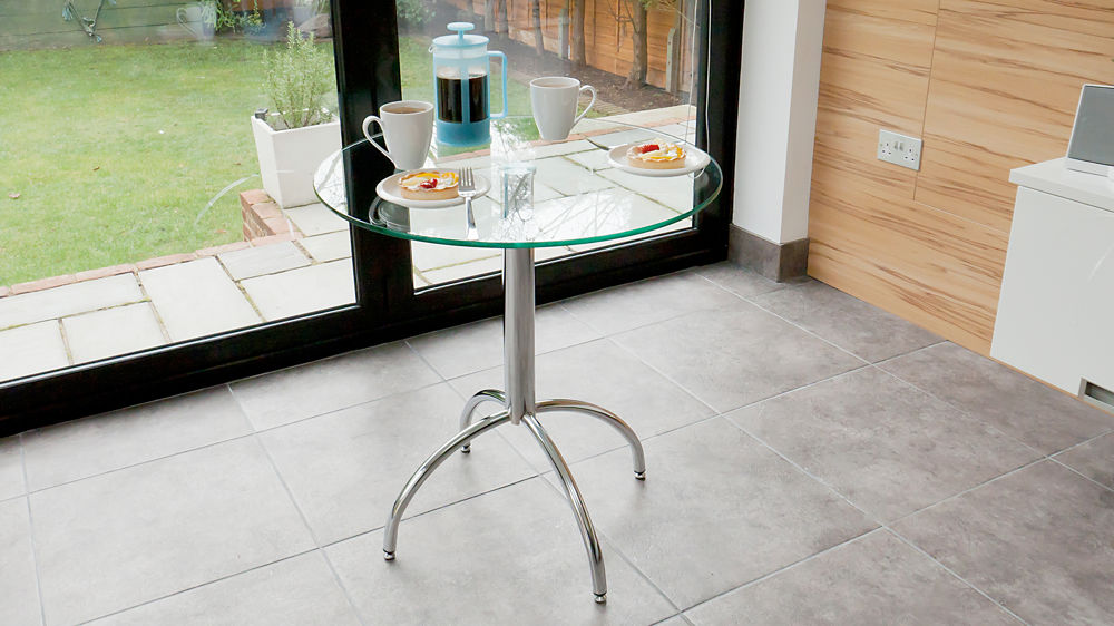 Modern Round Glass Kitchen Table  Trendy Chrome Legs  Seats  People