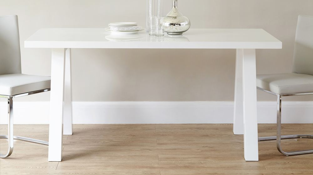 White Gloss Dining Table that will Seat 6 People